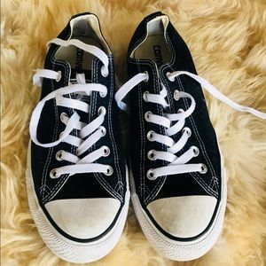 Men's Converse Size 7.5 Black good condition